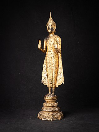 Antique bronze Thailand Buddha statue