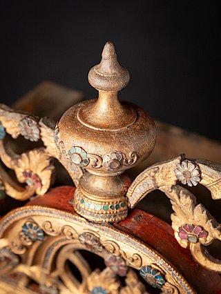 Antieke houten Birmese Tempel