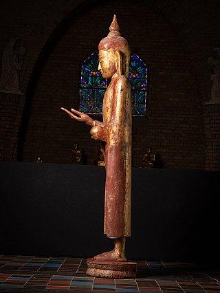 Zeer bijzondere grote antieke Birmese Boeddha