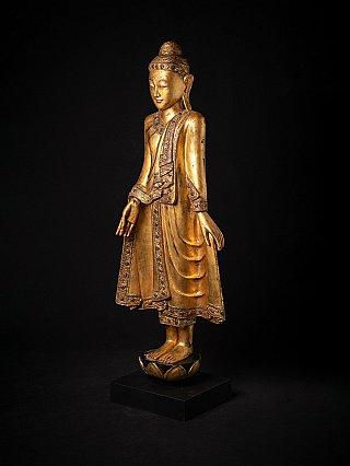 Antieke houten staande Mandalay Boeddha