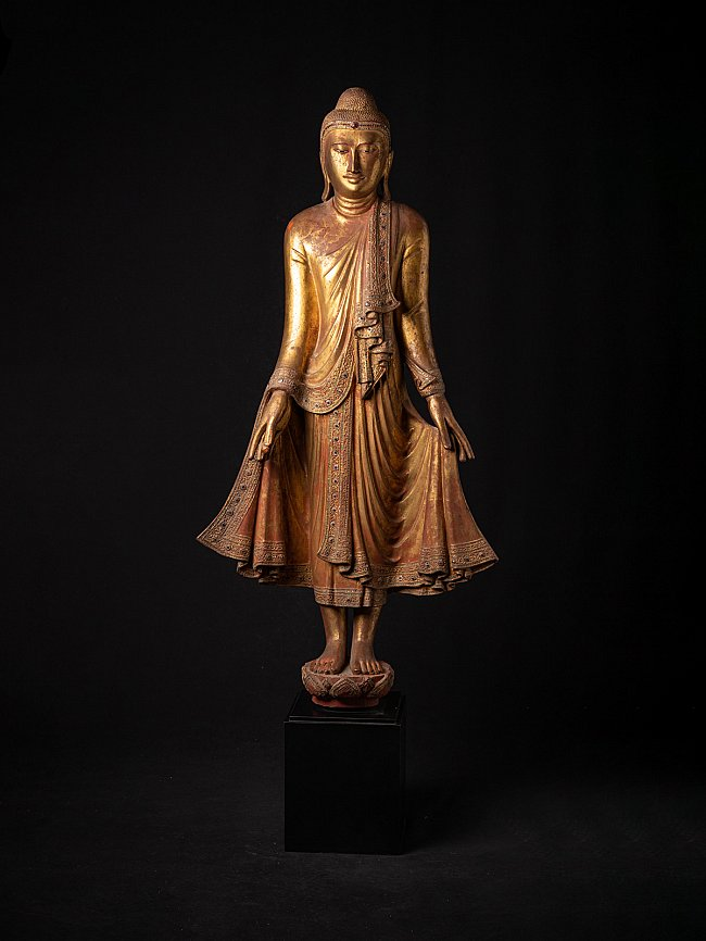 Special antique wooden Mandalay Buddha