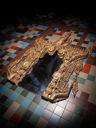 Zeer groot Birmees houten tempel paneel