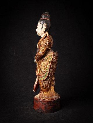 Alte burmesische Holzgöttin