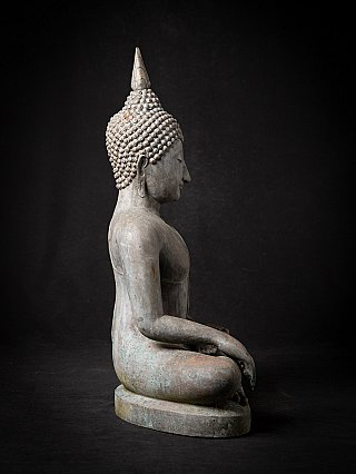 Old bronze Thai Sukhothai Buddha