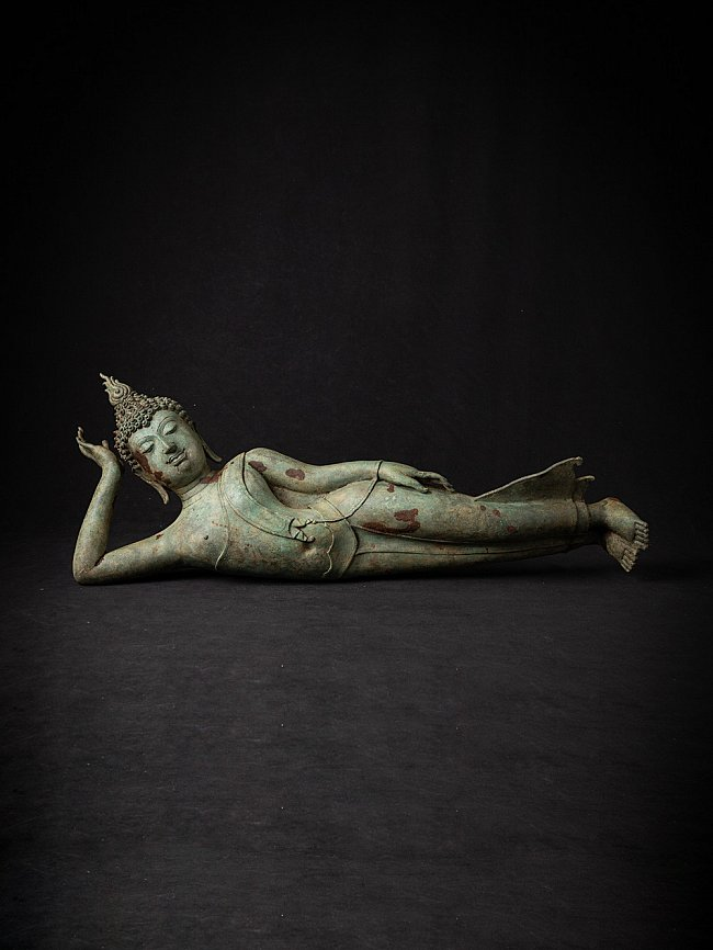 Antique bronze Thai Buddha statue