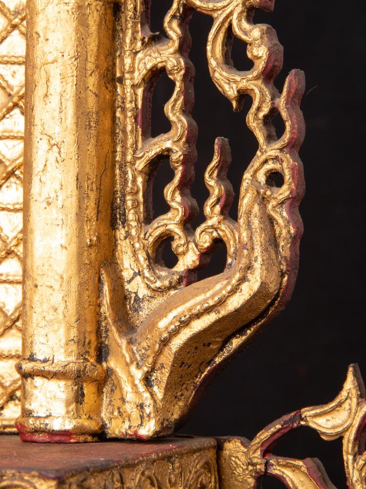 Antike Birmanische Thron