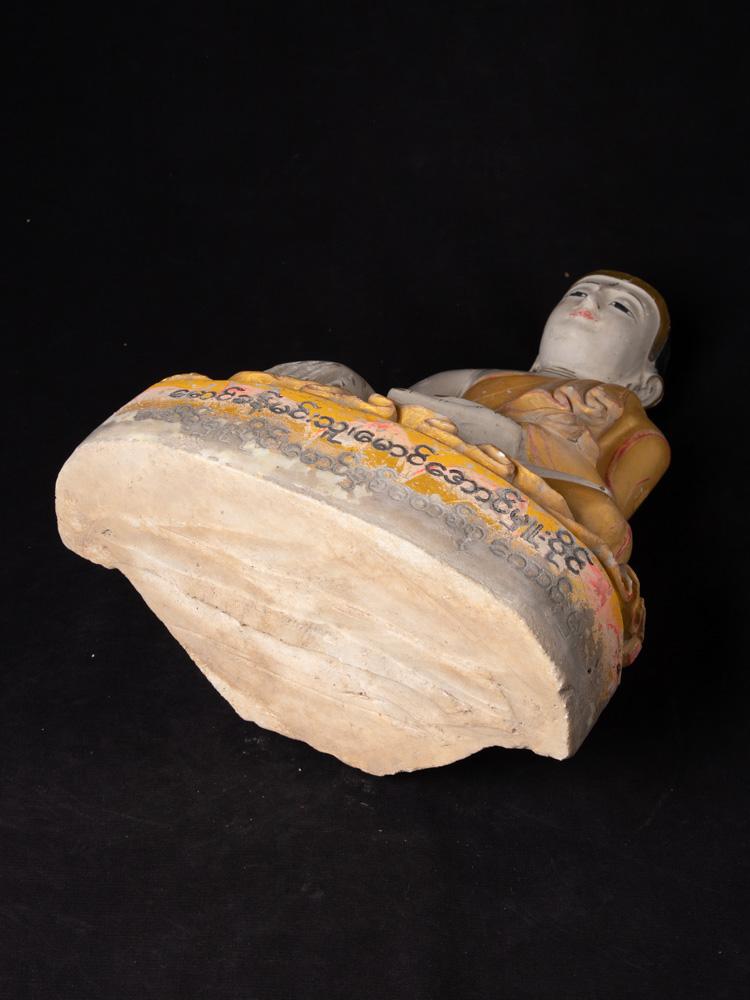 Oud marmeren Boeddhabeeld