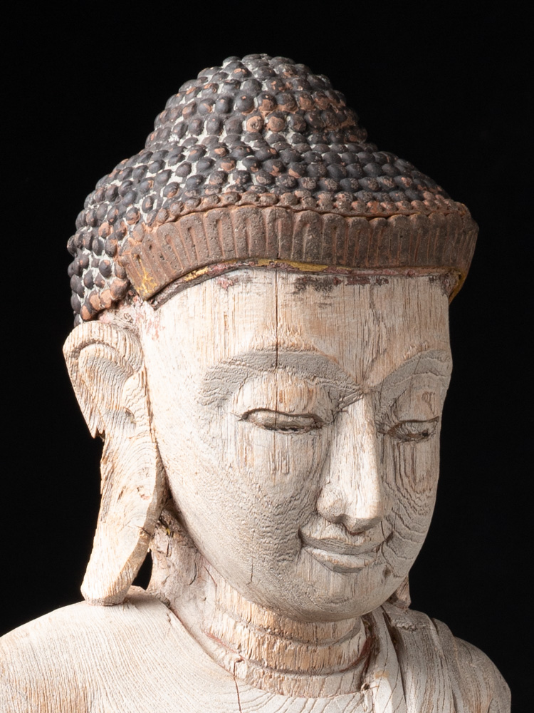 Oude teakhouten Mandalay Boeddha