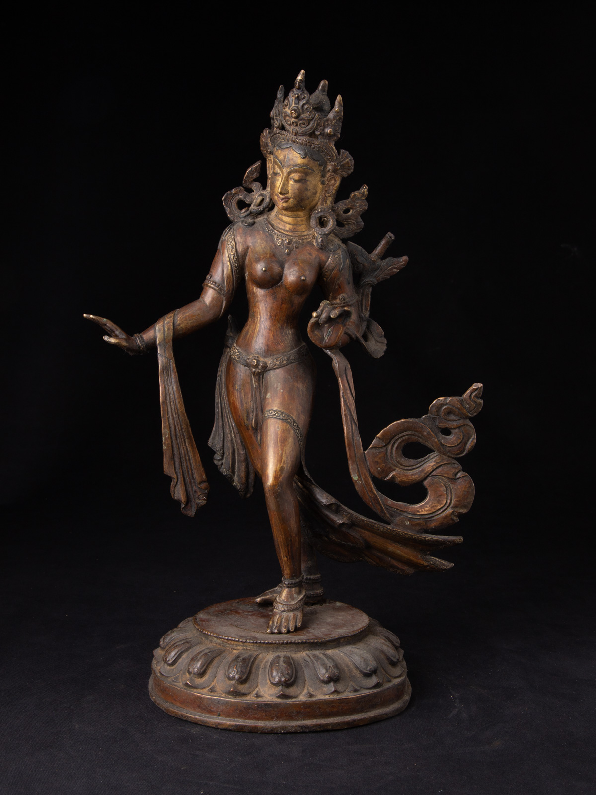 Antique bronze Tara statue from Nepal made from Bronze