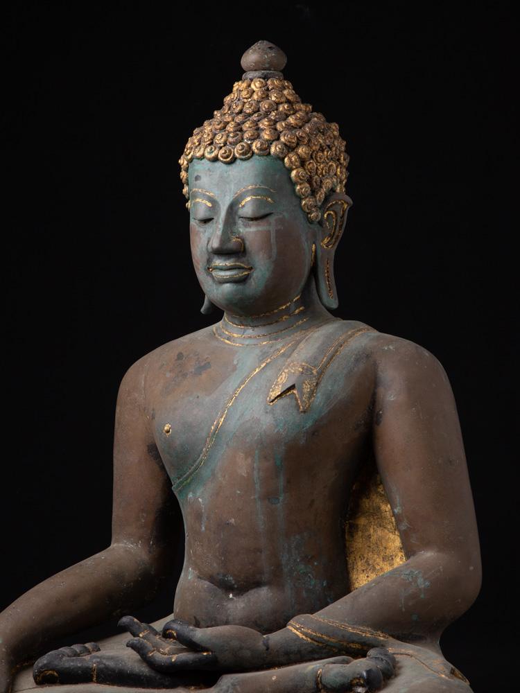 Antique bronze Chiang Saen Buddha statue