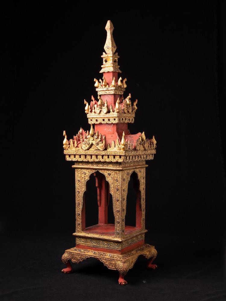 Antieke houten tempel