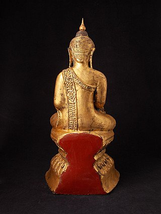 Old lacquerware Shan Buddha statue