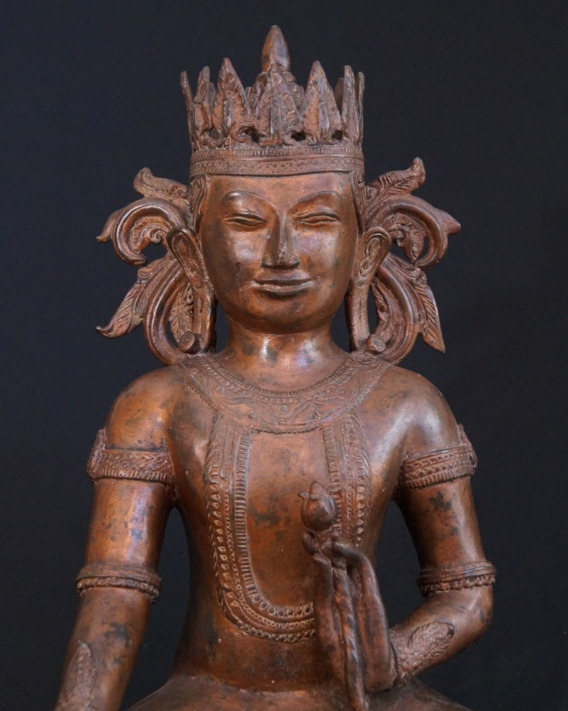 Old bronze Arakan Buddha from Burma made from Bronze