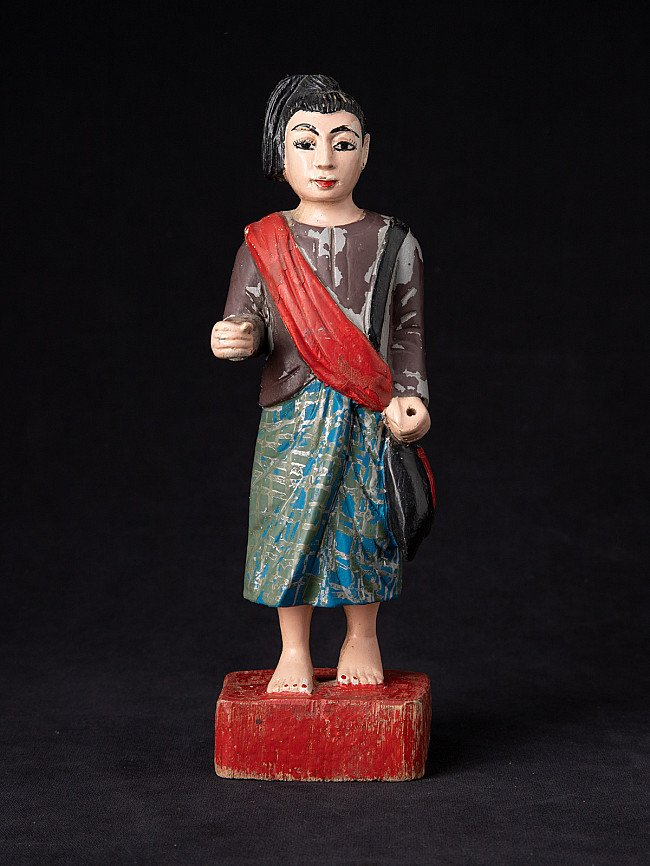 Oude houten Birmese Nat