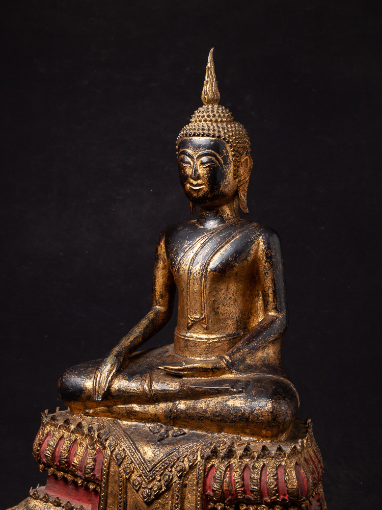 Antique bronze Thai Buddha statue from Thailand made from Bronze