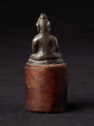 Very early bronze Arakan Buddha statue
