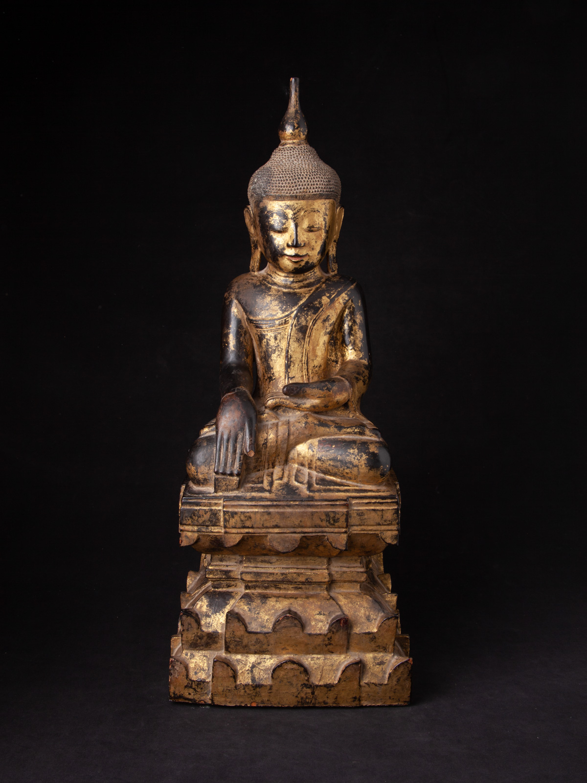 Very nice antique Shan Buddha statue from Burma made from Wood
