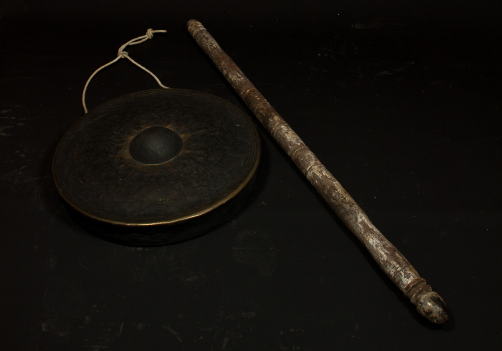 Set antique Burmese gong carriers from Burma made from Wood