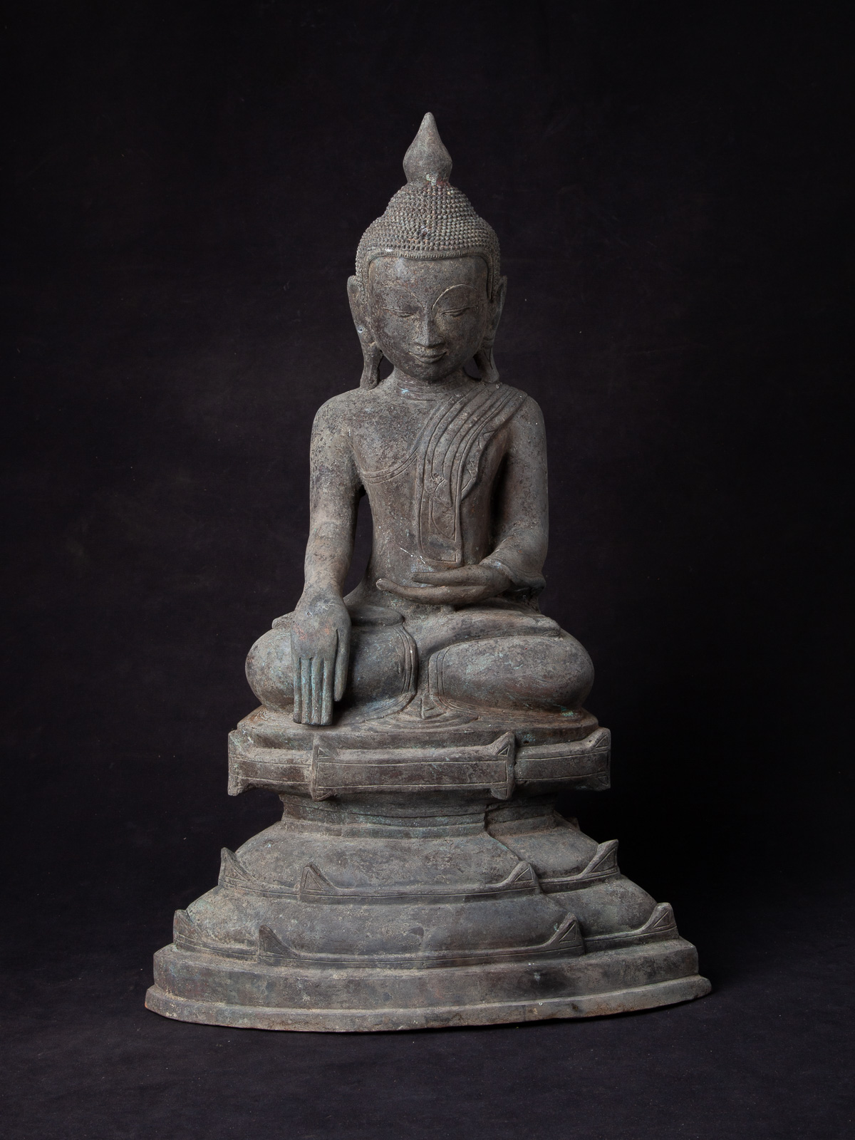 Antique bronze Shan Buddha statue from Burma made from Bronze