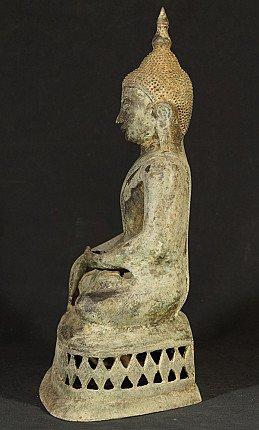 Alte bronze Ava Buddha Figur