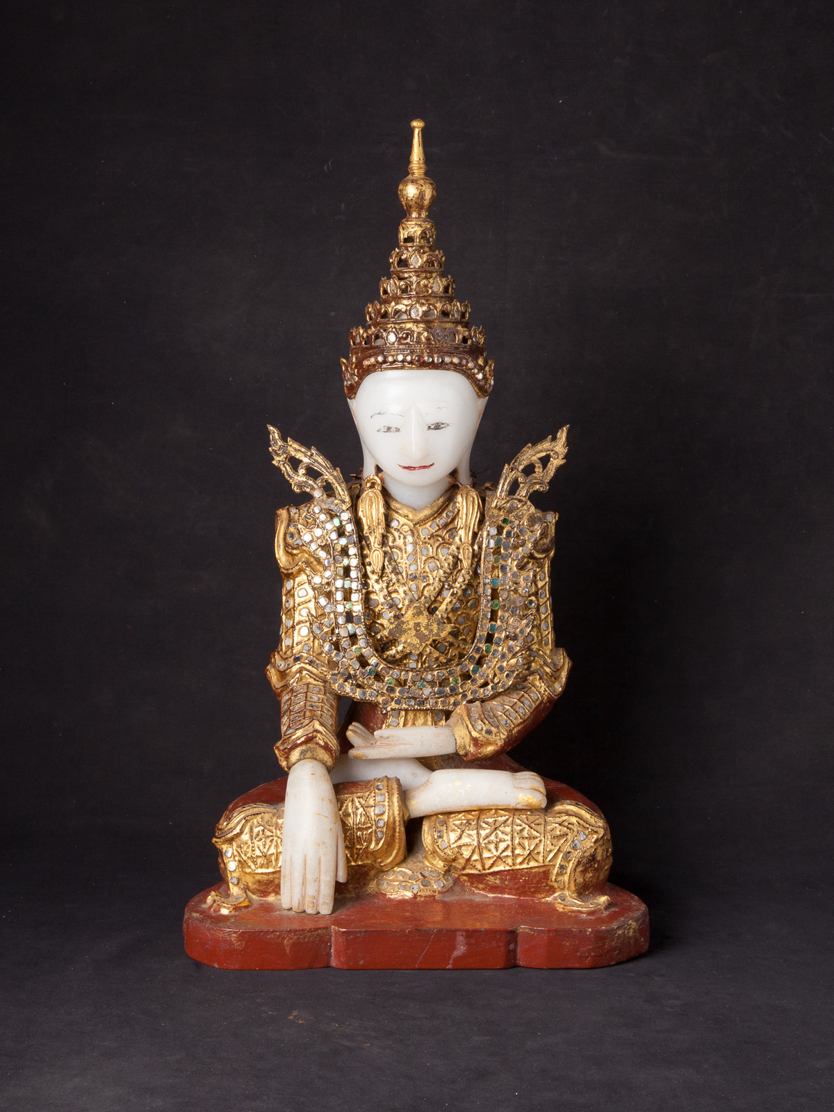 Antique Burmese crowned Buddha statue from Burma