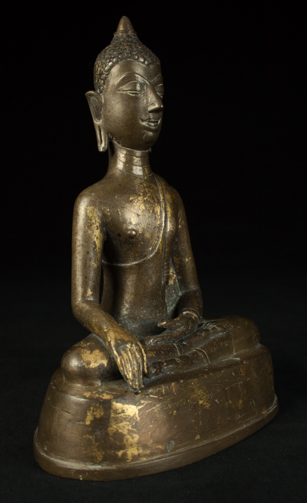 Antique bronze Chiengsean Buddha statue from Thailand made from Bronze
