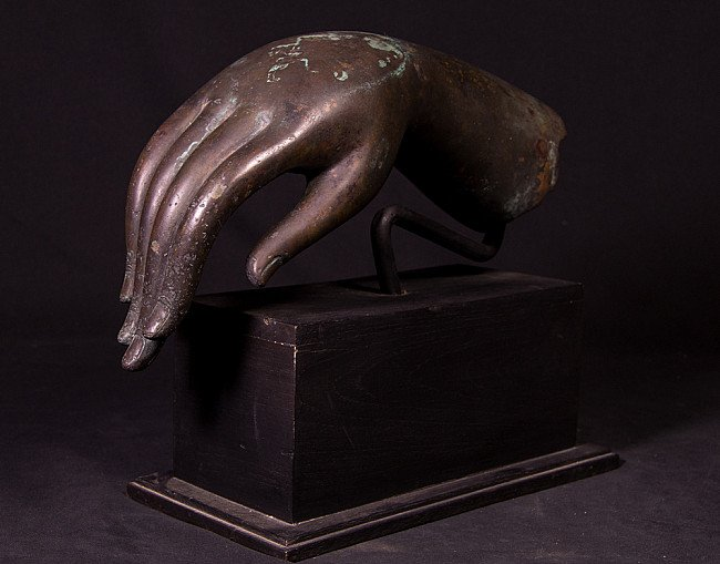 Alte bronze Buddha hand