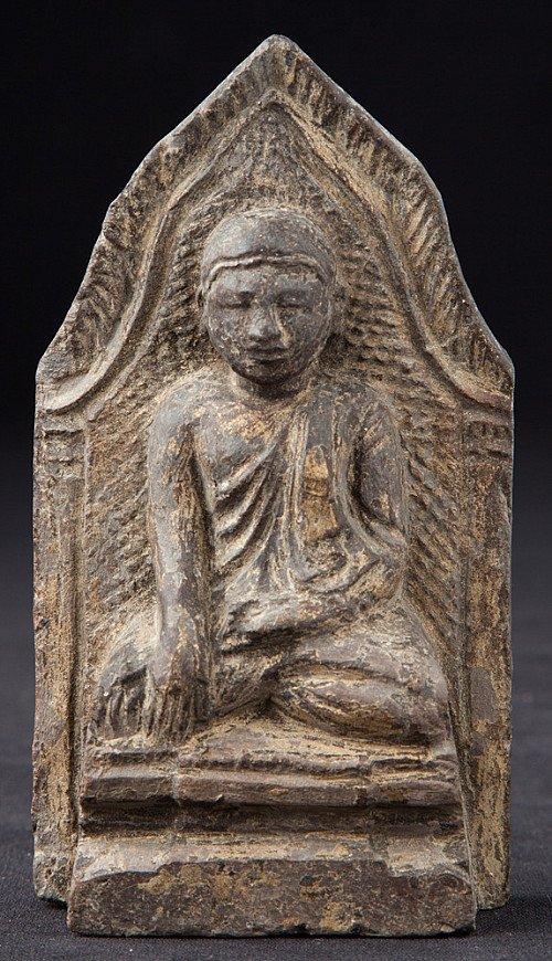 Antique pottery Buddha Amulet