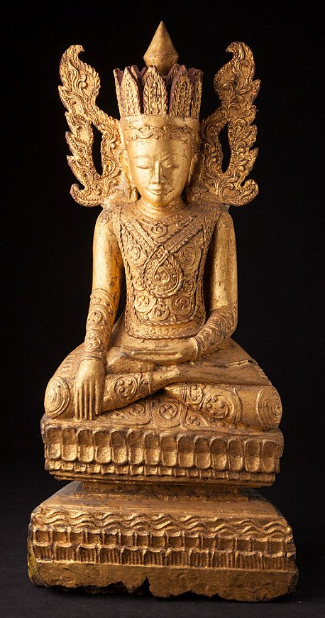 Antique crowned Buddha statue