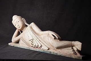 Special antique reclining Buddha statue