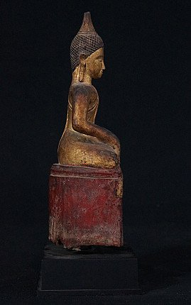 Antique Lanna Buddha statue