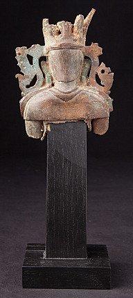 Antieke buste van Arakan Boeddha