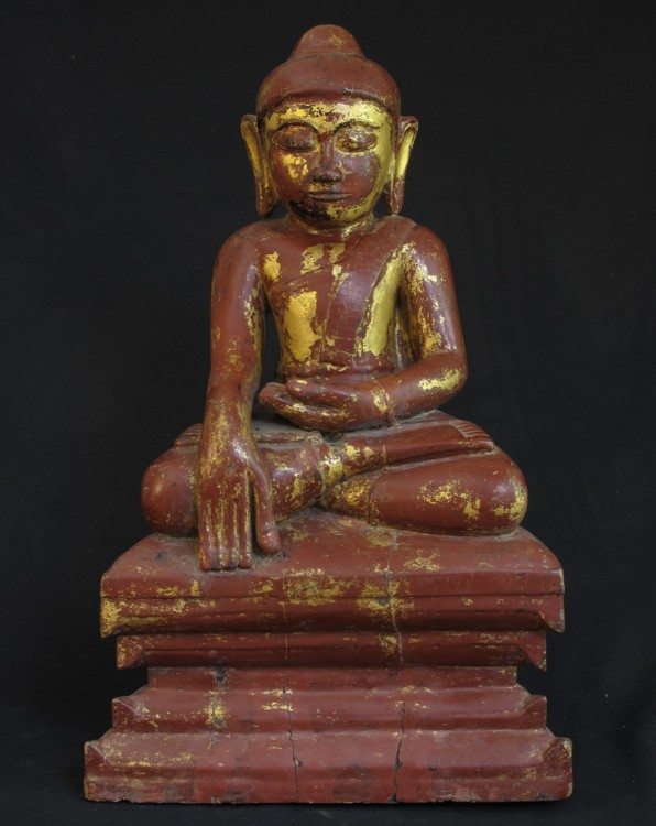 Antique sitting Buddha from Birma
