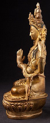 Old bronze Chengresi statue