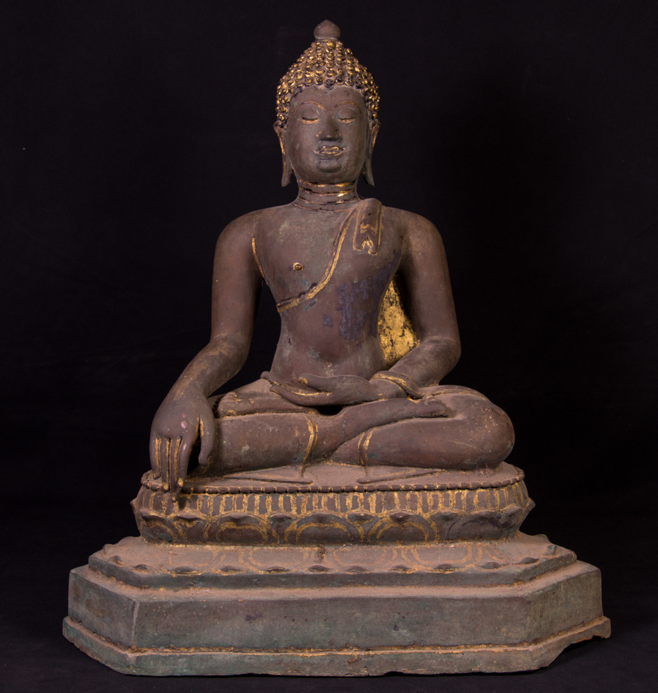 Antique bronze Thai Buddha statue from Thailand