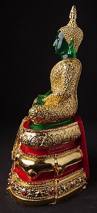 Newly made Thai Buddha statue