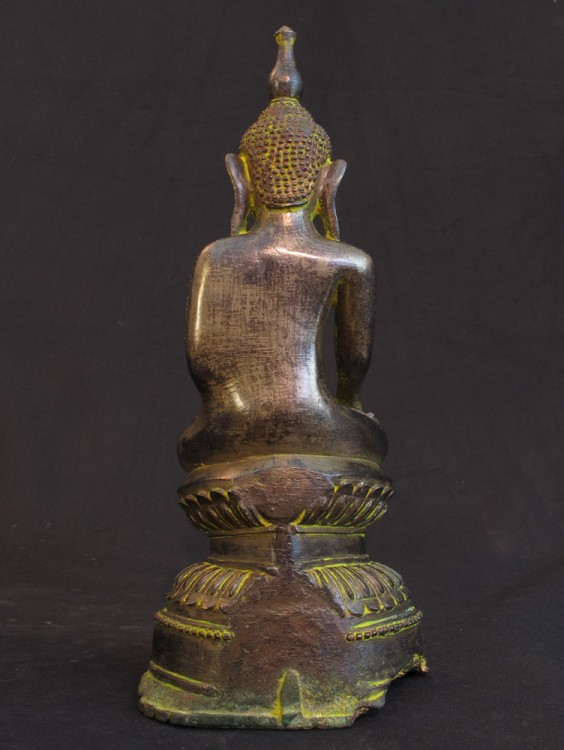 Antique bronze Buddha from Burma made from Bronze