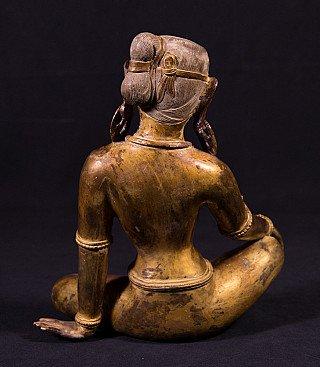 Old bronze Parvati statue