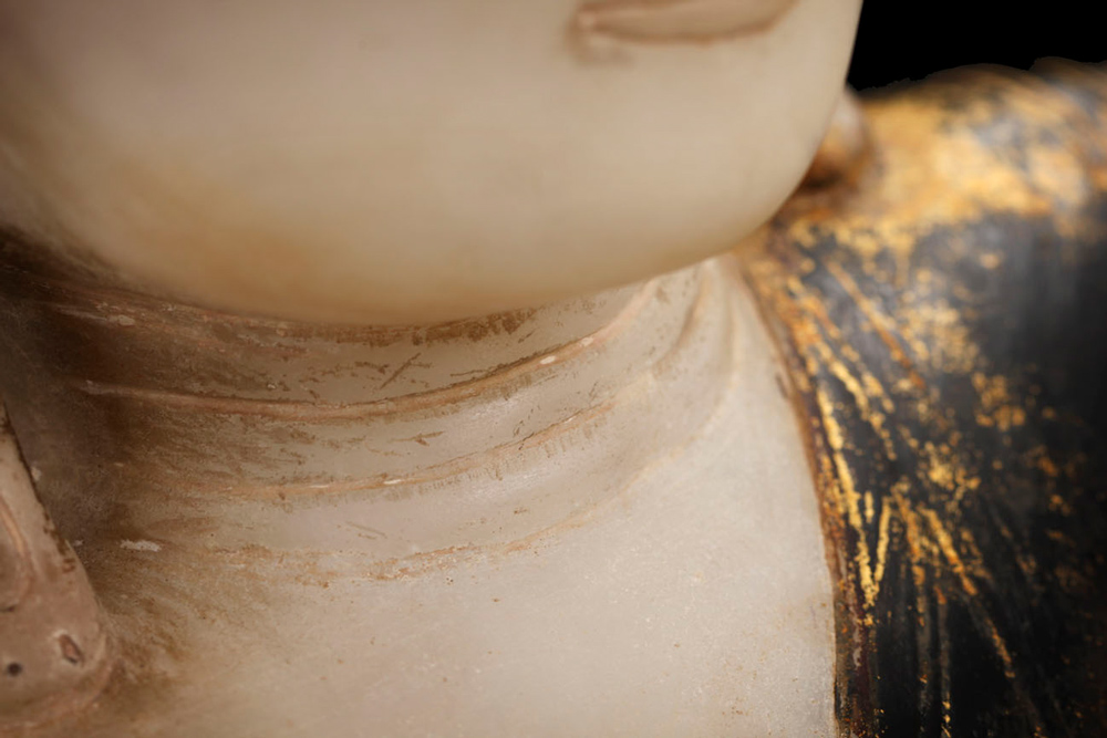 Museum quality Alabaster Buddha statue from Burma made from Marble
