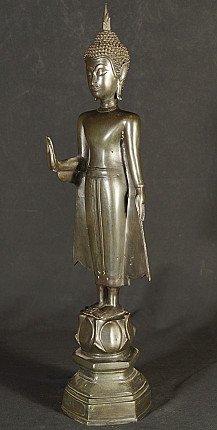 Bronze Thailand Buddha statue