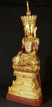 Large lacquerware Buddha statue