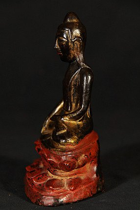 Antiek lacquerware Boeddhabeeld