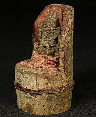 Old Ganesha on bamboe