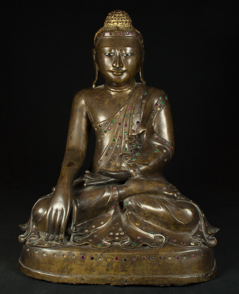 Old bronze Tara statue from Burma made from Bronze