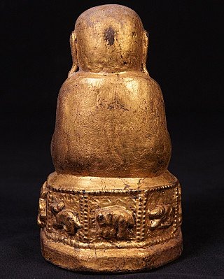 Old Buddha statue without face