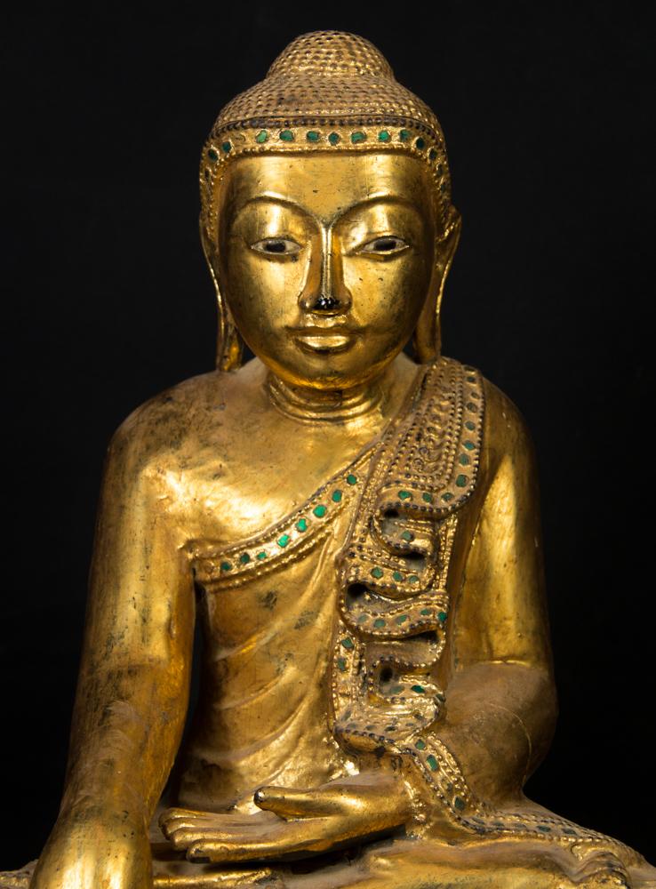 Alte holzerne buddha figur aus birma gemacht aus holz for Buddha figur holz