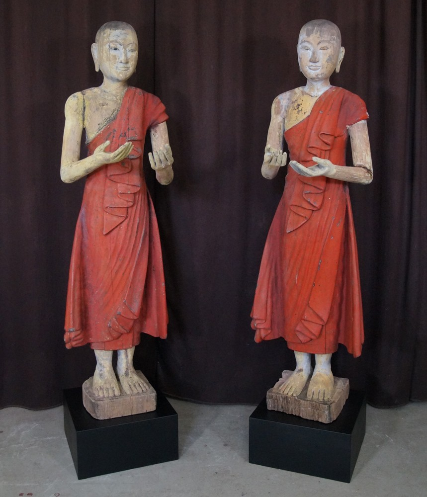 Set antique monk statues from Burma made from Wood