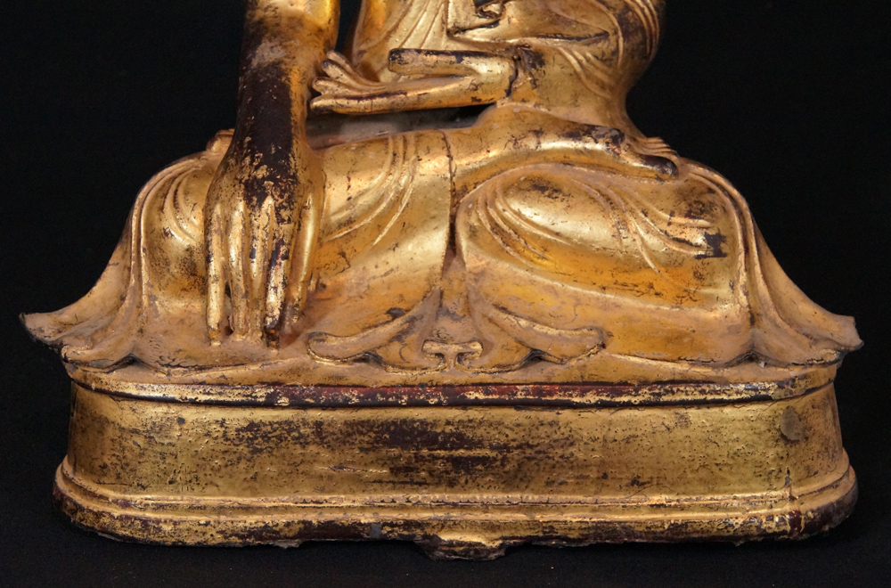Antique bronze Mandalay Buddha from Burma made from Bronze