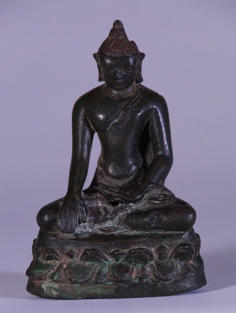 Original bronze Pagan Buddha statue from Burma made from Bronze