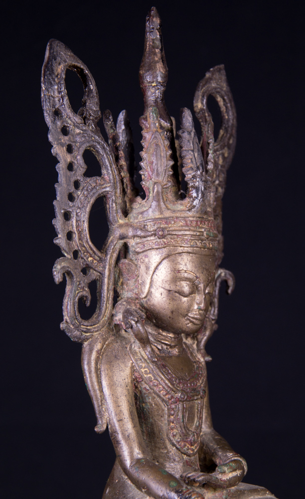 Antique Burmese crowned Shan Buddha statue from Burma made from Bronze